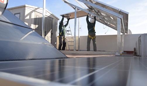 Andalucía dispondrá de 97 millones en incentivos para autoconsumo renovable y almacenamiento.