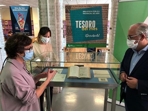 La Consejería de Cultura muestra su patrimonio bibliográfico en Jaén con motivo del Día de las Bibliotecas.