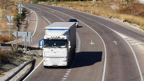 La DGT inicia una campaña de vigilancia de camiones y autobuses en carreteras andaluzas.
