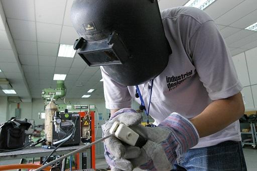 La subdelegada informa de una línea de subvenciones para que las empresas puedan modernizar su maquinaria.
