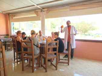camping-aourir-dans-le-restaurant-la-petite-tente-bleue-2017