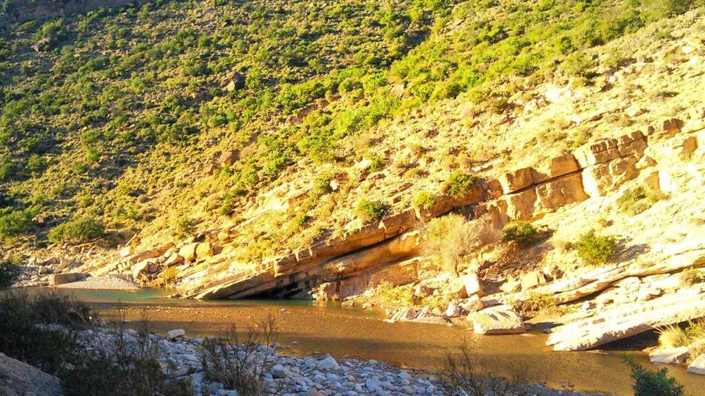 Sunny January Walk through the gorge of the Paradise Valley