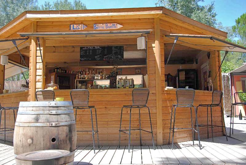 Le bar buvette du Camping Art de Vivre, chateauneuf du pape