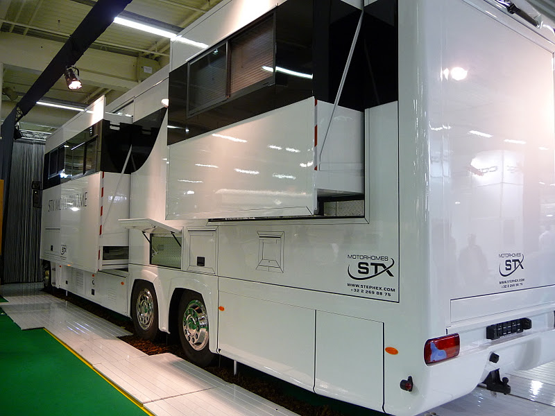 Salon VDL Paris  Le Bourget  2011  La Vie est Belle en Camping Car