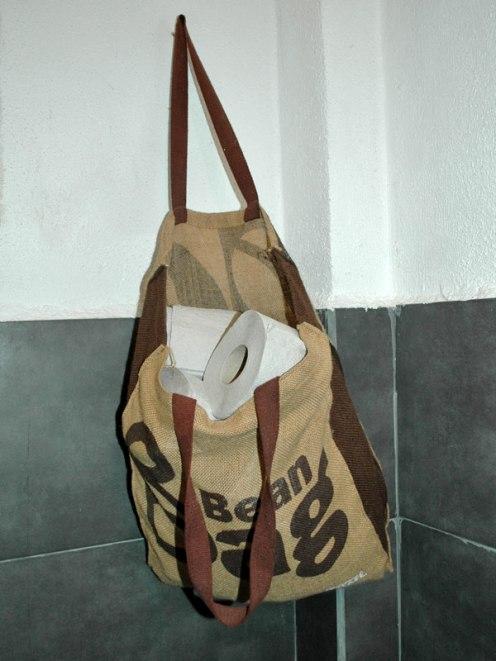Individueller Behälter für Toilettenpapier