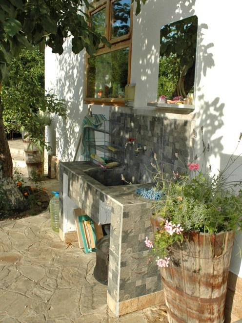 Außenwaschbecken mit Accessoires
