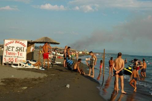 In Albanien brennt es