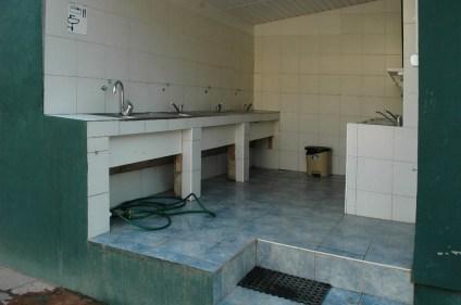 Geschirrspülbecken sind der Waschraum