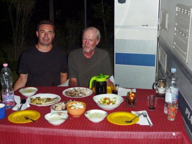 Chef Julian verwöhnt uns abends mit selbstgemachten Köstlichkeiten
