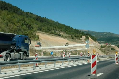 Reger Baubetrieb an der neuen Autobahn nach Bulgarien