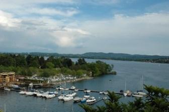 kleiner Hafen, dahinter der Campingplatz