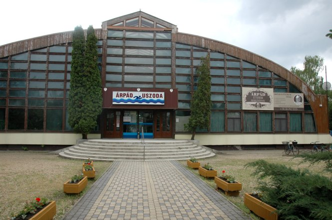 therme-schwmmbad-04