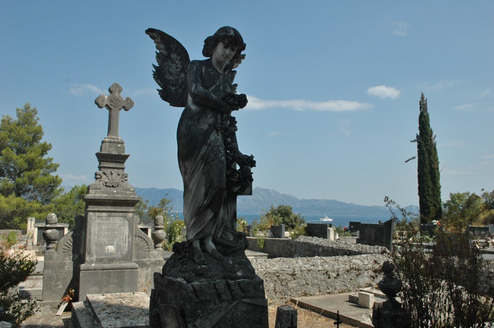 Trpanj Friedhof