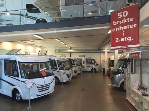 KRAFTIG VEKST: Nordmenns interesse for å kjøpe bobiler og campingvogner er tilbake på topp, ifølge nye bransjetall. (Foto: Askjems Camping-Center)