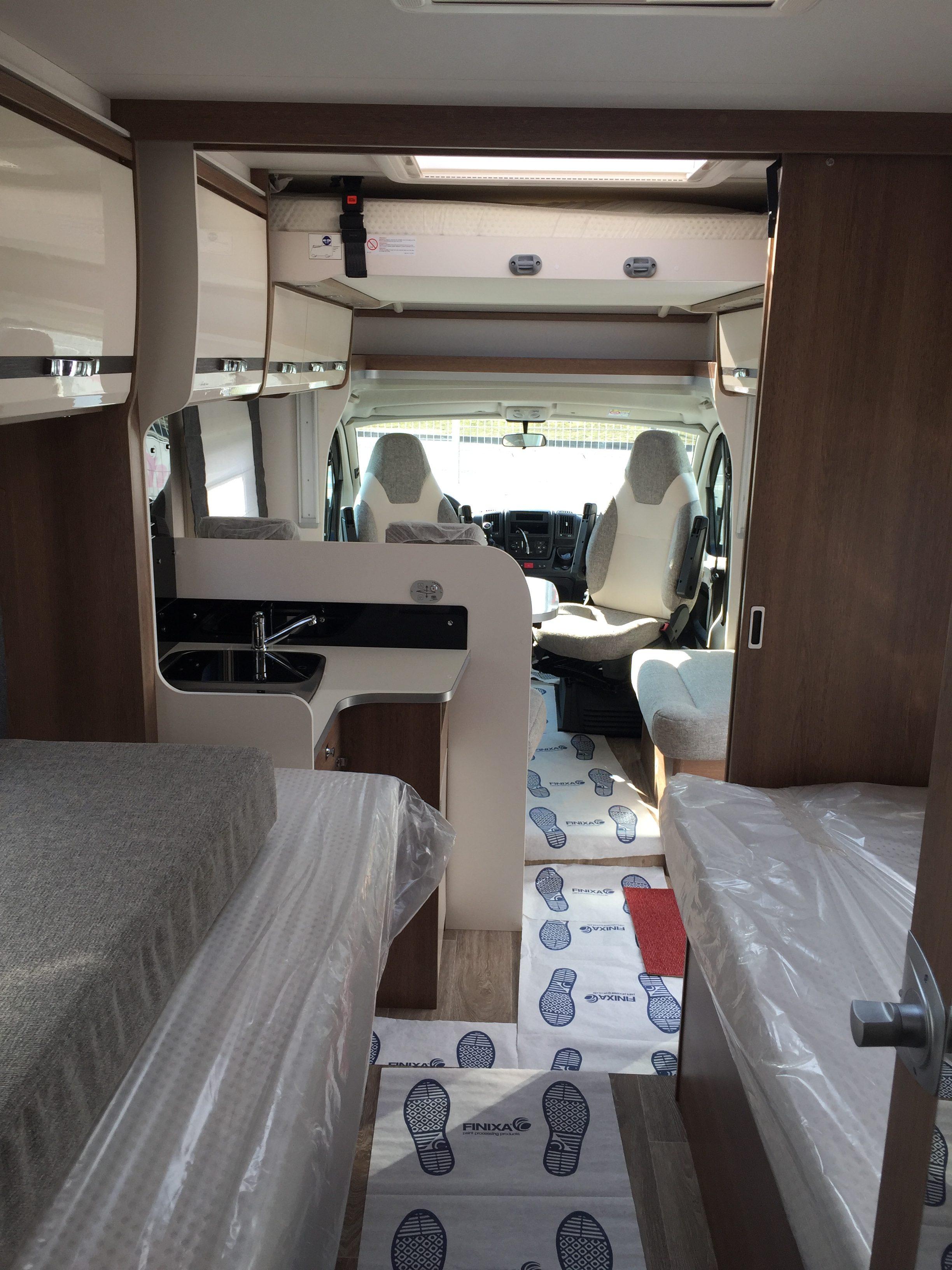 camping-car dethleffs trend t7017, profilé lits jumeaux
