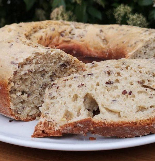 Brot aus dem Omnia – mit Sonnenblumenkernen