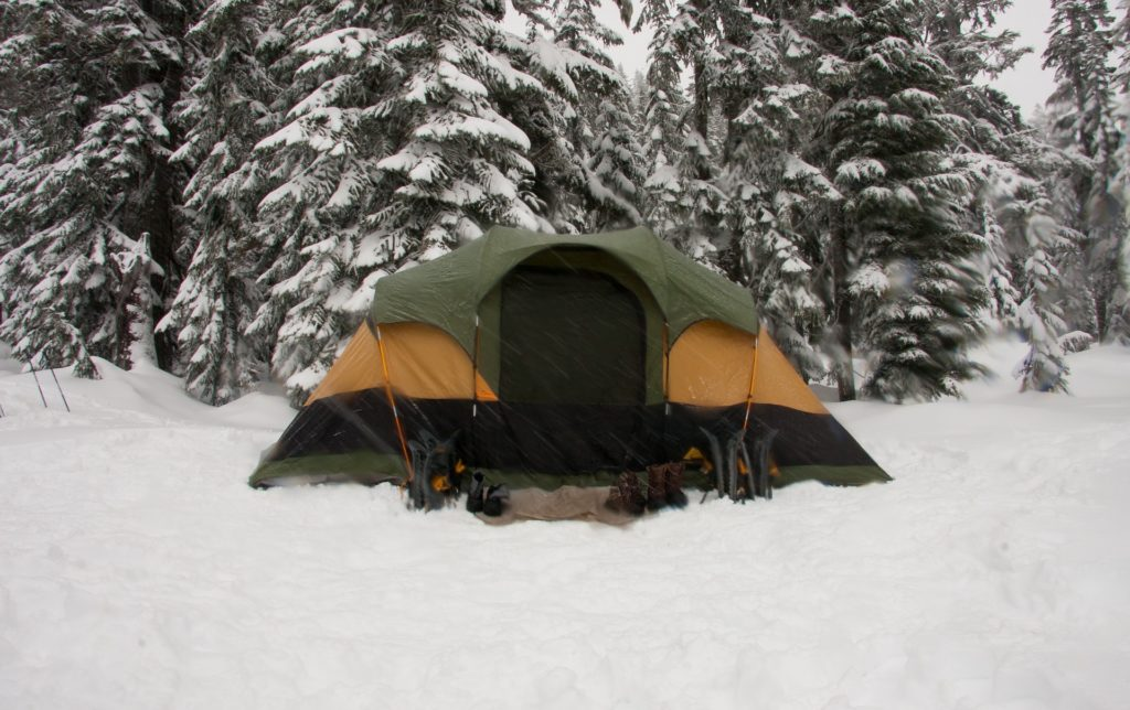 Tips on How to Heat a Tent Without Electricity