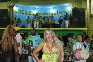 Valzinha de Oliveira na Escola de Samba Unidos do Peruche – Foto: Thais Haliski