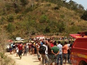 O acidente envolvendo um ônibus escolar em Padre Paraíso (MG) matou quatro adolescentes e deixou outros dois feridos – Foto: Polícia Civil/MG