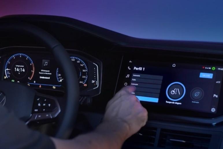 Apresentação do sistema VolksPlay, disponível para o VW Nivus (Foto: Divulgação)
