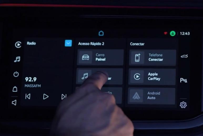 O VolksPlay oferece um computador de bordo com as informações do veículo (Foto: Divulgação)