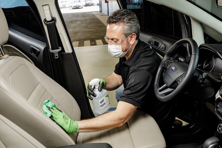 Limpeza utiliza desinfetante a base de peróxido de hidrogênio (Foto: Divulgação)