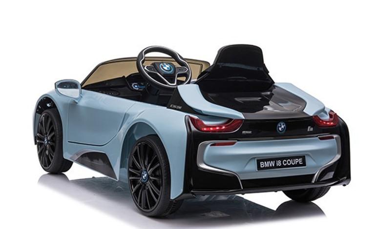BMW i8 recriou bem as linhas do esportivo híbrido (Foto: Divulgação)