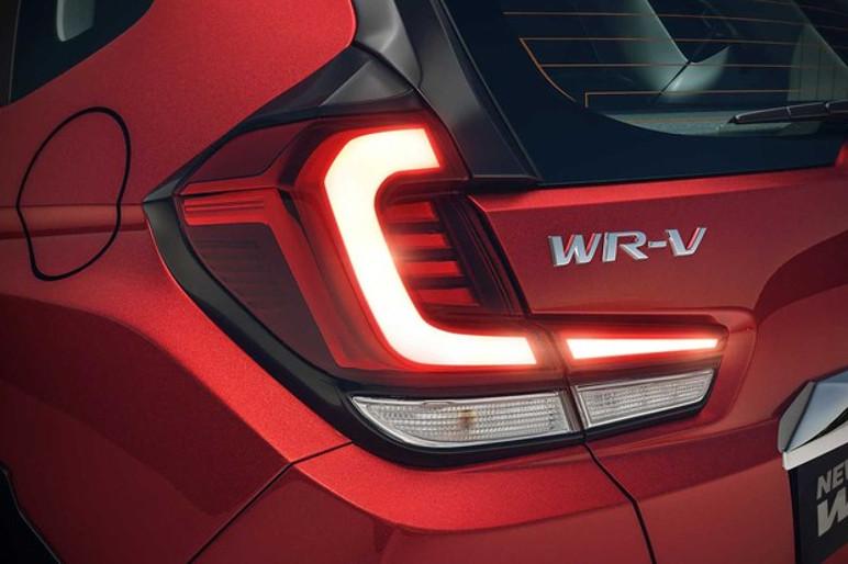 Traseira do WR-V teve poucas alterações, apenas lanternas de LEDs (Foto: Divulgação)