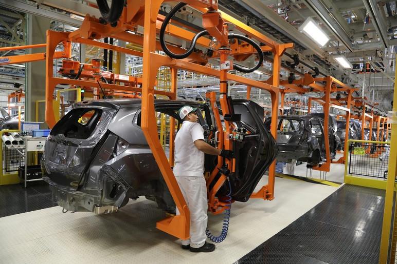 Fábricas podem parar e carros vão ficar mais caros