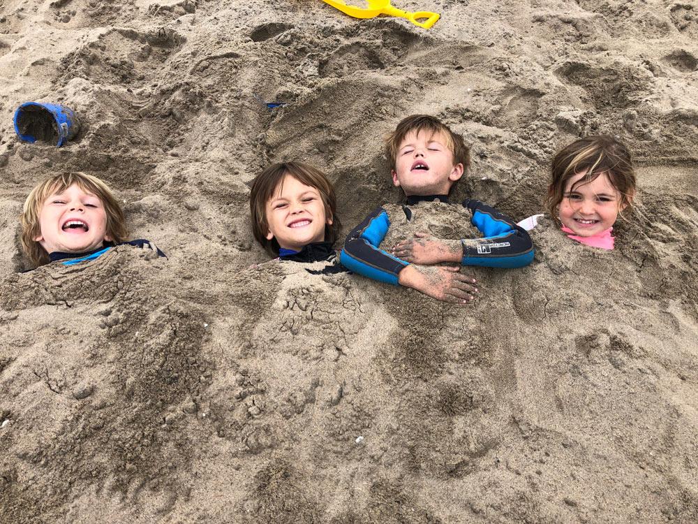 camp surf kids have fun