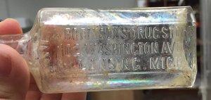 Robinson's Drug Store Bottle - Gunson Unit A