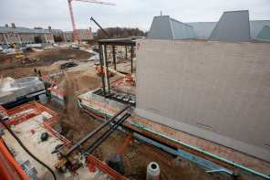November 2018: View from the 3rd floor of Weil looking down at the mechanical systems between the Kemper Art Museum Expansion and Weil.