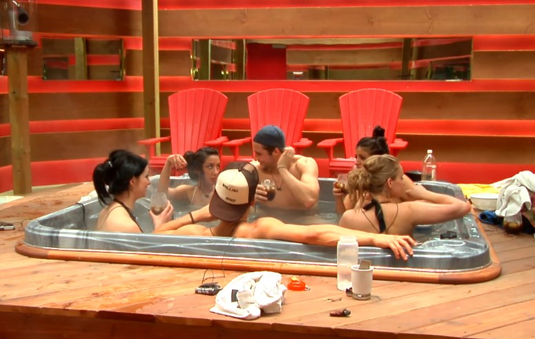 bbcan2-20140422-2111-hgs-hot-tub