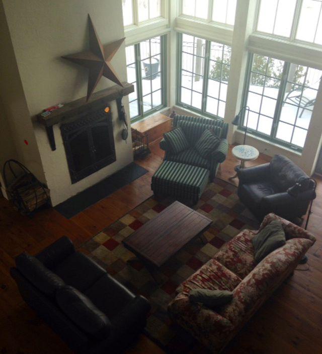 BBCAN2 Jury House – Living room