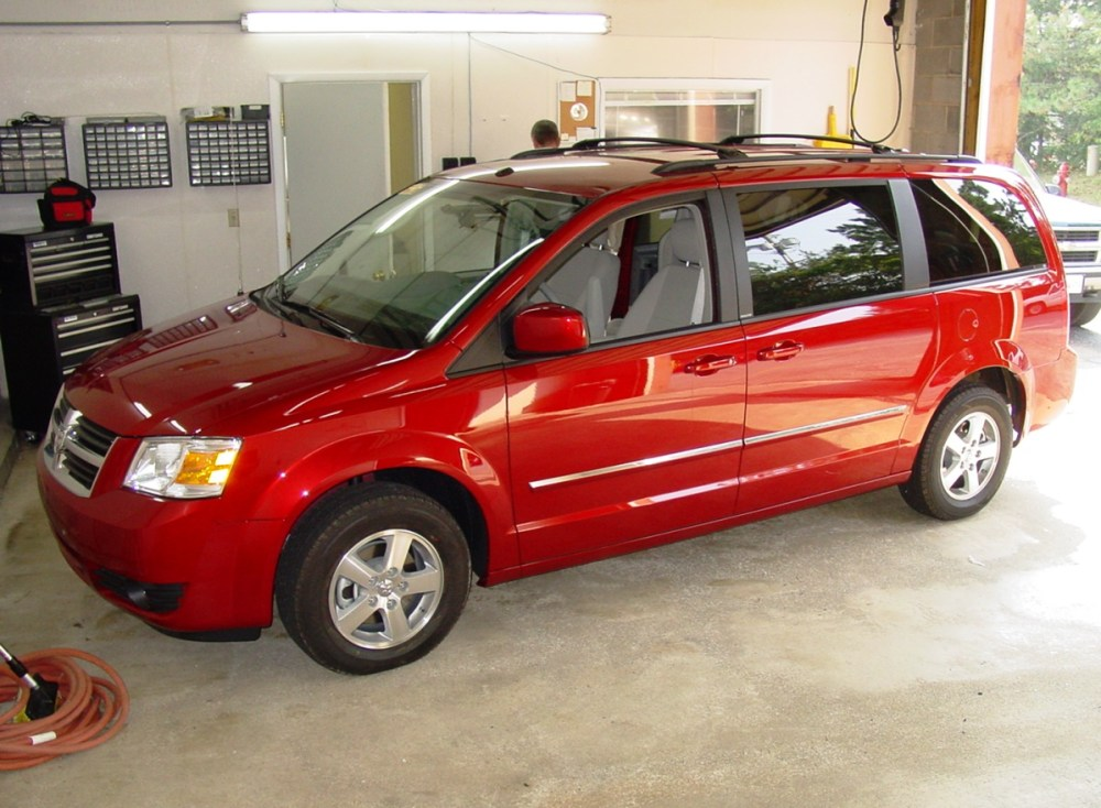 medium resolution of 2008 2018 dodge grand caravan