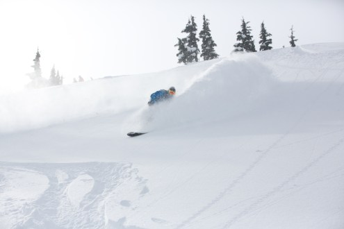 Deep pow turns at Northern Escape Heliskiing / Photo: Aaron Whitfield