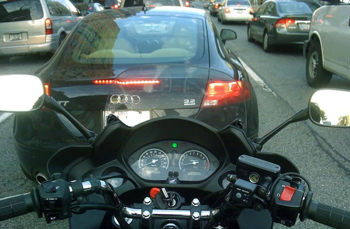 Slant: These are the pros and cons of lane-splitting