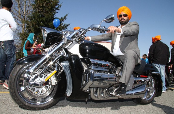 Sikhs ask Ontario if they can ditch helmets