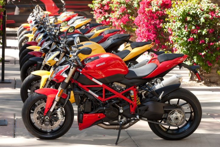 At $13,995, the 848 Streetfighter is priced $8,500 less than the Streetfighter S.