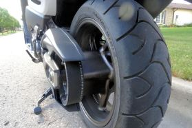 A belt final drive puts power to the rear tire.