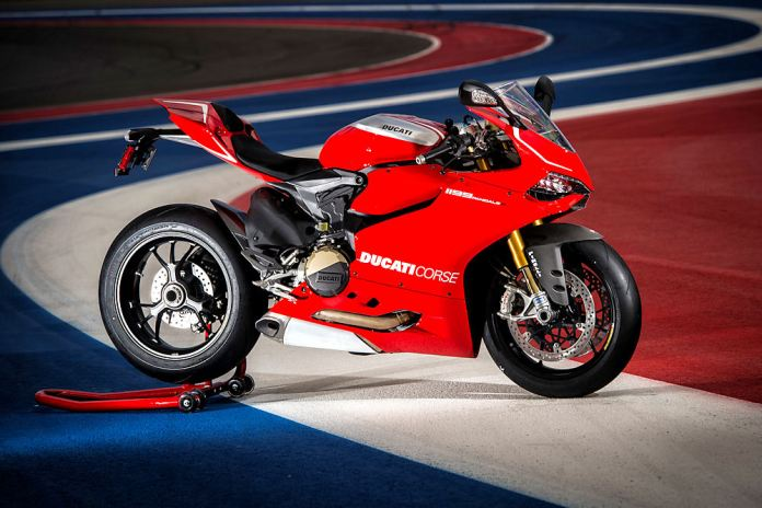 The Panigale R has a four-way adjustable swingarm pivot.