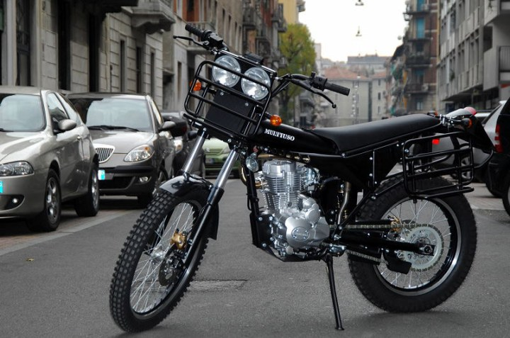 The Multiuso is powered by a Chinese air-cooled 230 cc motor.