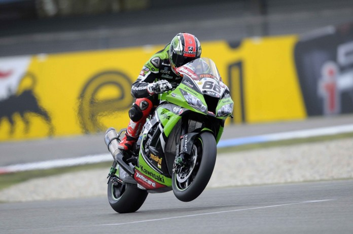 We know, we know: We'ves used this photo of Tom Sykes before. But the lazy folks at WSBK are late putting up photos of the races, again.