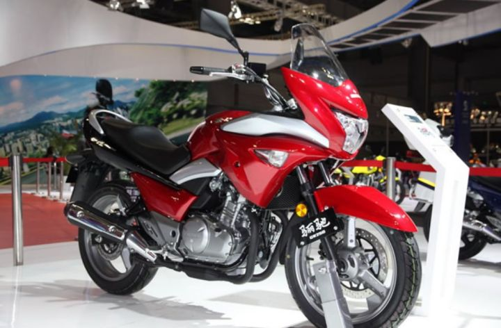 Suzuki to sell half-faired GW250