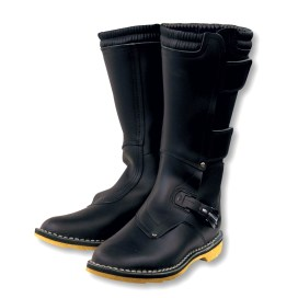The Combat Touring Boots are a long-running entry in Aerostich's lineup.