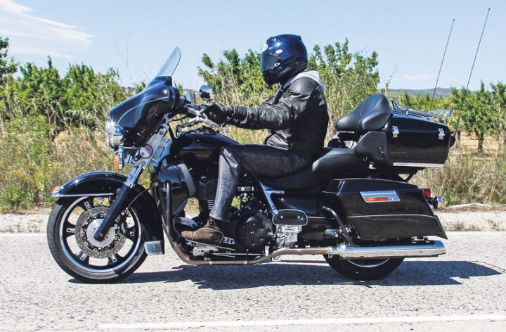 Spy shots indicate Triumph working on new full-dressed cruiser