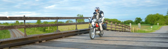 Editor 'Arris takes the Sym Wolf down an Ontario back road. Photo: Richard Seck