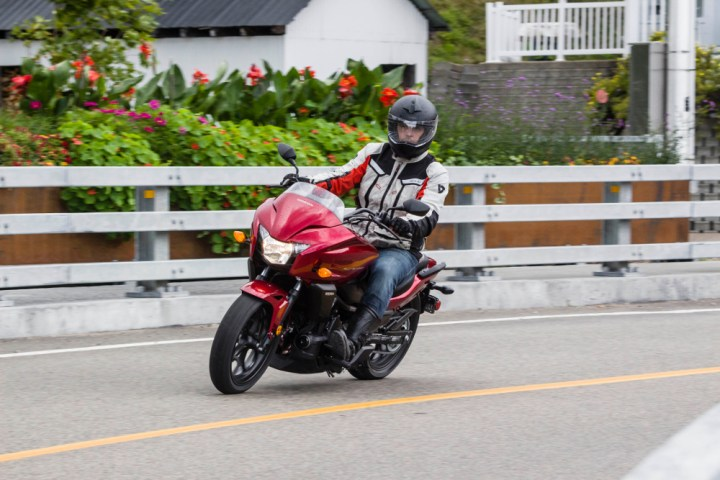 Thanks to wide bars and a low center of gravity, the CTX models are easy to handle at low speed.