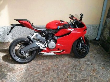 If this photo is legit, it seems to show Ducati is working on a smaller version of the Panigale. If that's true, we'll probably learn more about it at EICMA. Photo: motociclismo