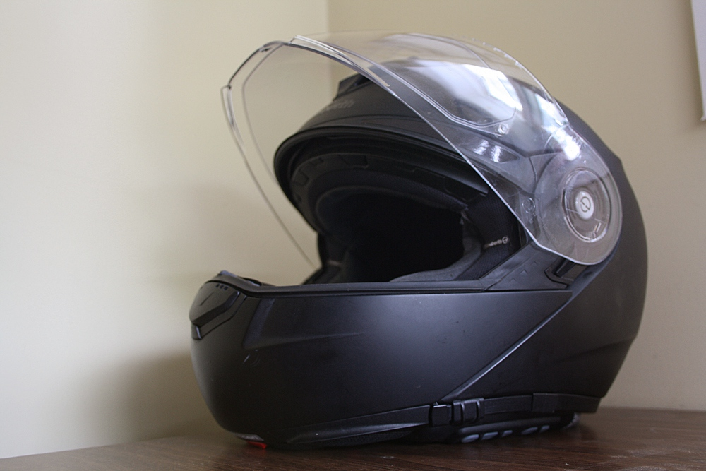 gear for the year schuberth c3 pro canada moto guide. Black Bedroom Furniture Sets. Home Design Ideas